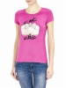 'C'EST CHIC' is the AMUSING slogan of this Liu Jo tee! Fitted cut and round neck, short sleeves and a PLAYFUL print on the front